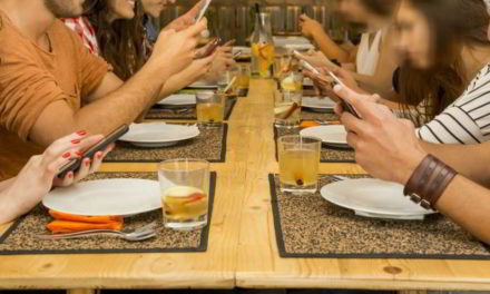 """Así es el smartphone que """"curará"""" la adicción al celular"""
