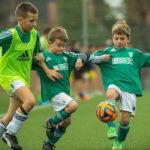Beneficios educativos del fútbol en los niños